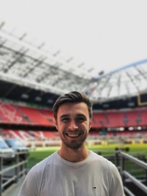 Steven bij verhaal EURO 2020 Academy